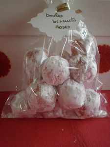 boules biscuits rose