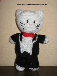 Mr-Hello-Kitty-marie.JPG