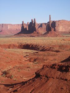 044Monument-Valley-totem-pole.JPG