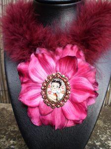 Collier Fleur Betty Boop