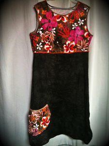 13_01-robe-froisse-noir-et-fleurs-11.jpg