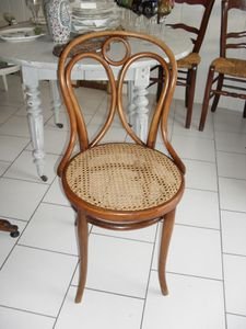 chaise cannée THONET