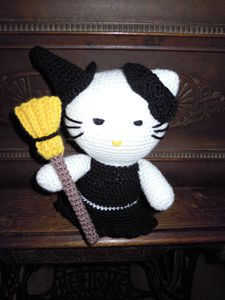 hello-kitty-sorciere.JPG