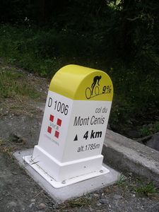 108-Borne du mont Cenis
