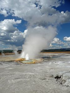 Th-Yellowstone-1 357