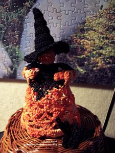 sorciere-halloween-decoration-crochet.jpg