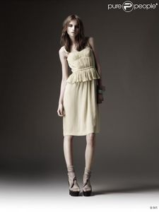 246375-pre-collection-ete-2010-burberry-637x0-3