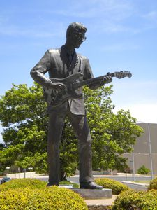 LUBBOCK statue Buddy Holly TX 035