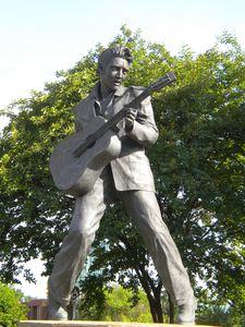 Statue Elvis MEMPHIS 115