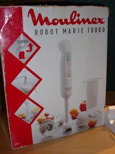 110725 02 Robot Marie