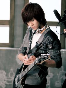 Song-Seung-Hyun-ft-island-10282670-900-1200.jpg