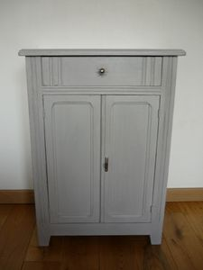 commode-shabby.jpg