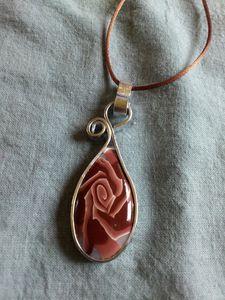 pendentif fap rose marron