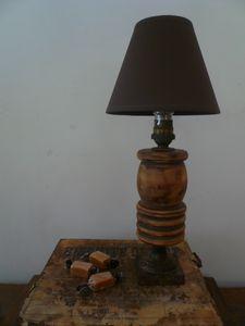 lampe de chevet, socle fer, bois, abat-jour café, douille