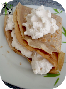 Crepes-au-Marrons--garniture-chantilly.png