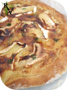 Pizza-au-Camembert---Miel.png
