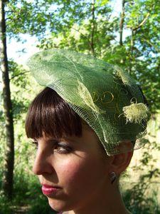 Cérémonie Bibi sur serre-tête vert à spirales