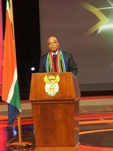 Jacob Zuma promet que les retombées économiques du Mondial va aider à relever les défis sociaux du pays - Pierrick Lieben 2010