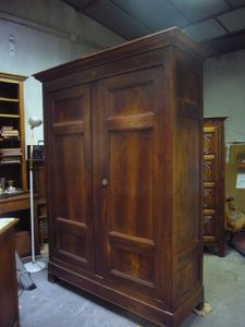 armoire ancienne bon etat de 220cm h x140 l et 50cl. Black Bedroom Furniture Sets. Home Design Ideas
