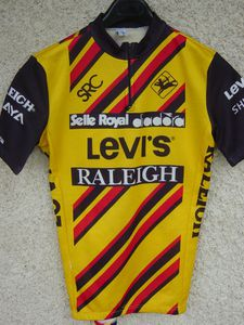 R maillot SRC Lev is Raleigh 1985