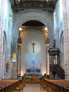 la-chaize-eglise-int.jpg