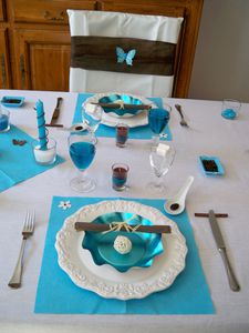 Table turquoise 071