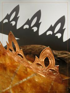 blog-img_1052-galette-couronne-et-son-ombre1.jpg