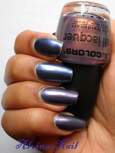 salome-cube-bleu-ongle-6--Alvina-Nail.png