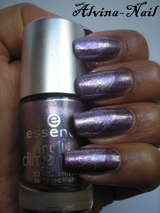 essence-purple-diamond---Alvina-Nail.png