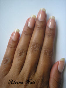 ongle-nue-aout---Alvina-Nail.png
