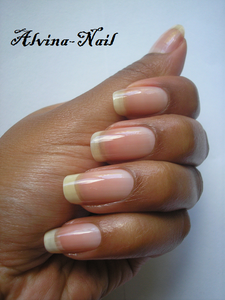 ongle-nue-aout3---Alvina-Nail.png