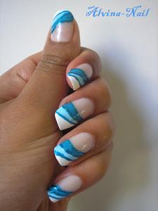 dentifrice-bleu2--Alvina-Nail.png