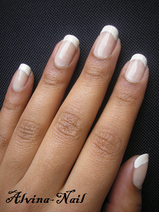 french-simple-fevrier--Alvina-Nail.png