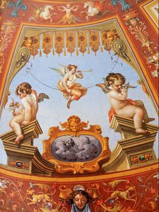 Putti-et-grotesques---detail.jpg