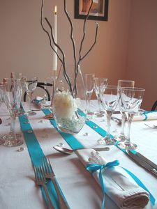 Decor of table by color decor of table o dreams o of for Deco table noel bleu argent