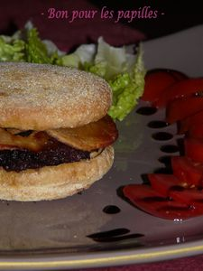 Black-Apple-Burger.JPG