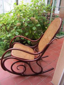 rocking-chair-1344.JPG