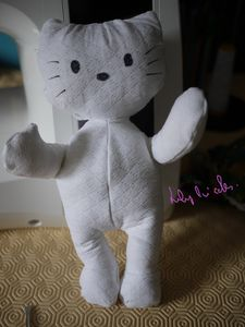 Poup e hello kitty le blog de lily bricoles - Maison de poupee hello kitty ...