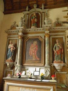 078-Un-des-retables-dela-chapelle-Sainte-Anne.JPG