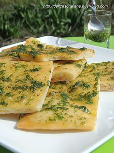 foccacia-au-parmesan--pesto-d-herbes--4-.JPG