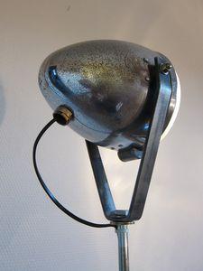 LAMPADAIRE TREPIED ECRAN PHARE MOTO