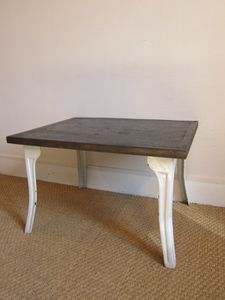 TABLE-BASSE-PIEDS-EMAIL-BLANC-R1224.JPG