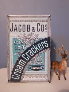 CREAM-CRACKERS--2-.JPG