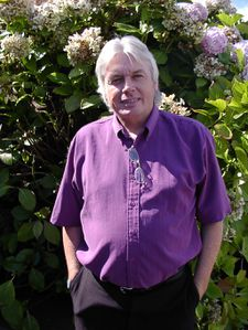 david-icke-in-our-garden_isle-of-wight25.jpg