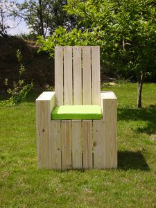fauteuil cub 39 fabrication de meuble co design en bois de r cuparation. Black Bedroom Furniture Sets. Home Design Ideas