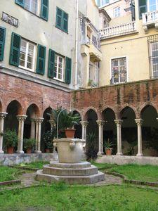 Genova-chiesa san matteo-chiostro1