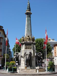 LA-FONTAINE-DES-ELEPHANTS.jpg