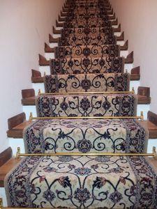 moquette d 39 escalier et passage de couloir chez. Black Bedroom Furniture Sets. Home Design Ideas