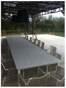 Balian beton atelier atelier de b ton d 39 art fabrication for Table exterieur 10 personnes