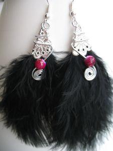 lessecretsdalena-BO-plume-noire-et-perle-framboise.JPG